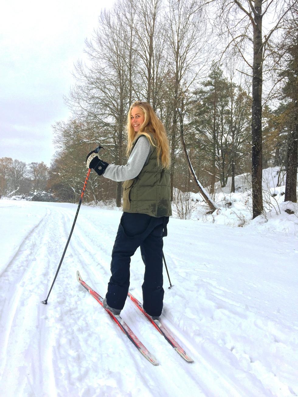 längdskidor och vinterbad hellasgården