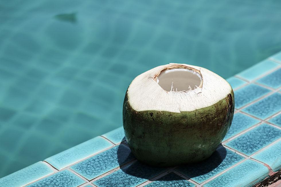 coconut-thailand-krabi-kokosnot-kokosvatten-young-coconut