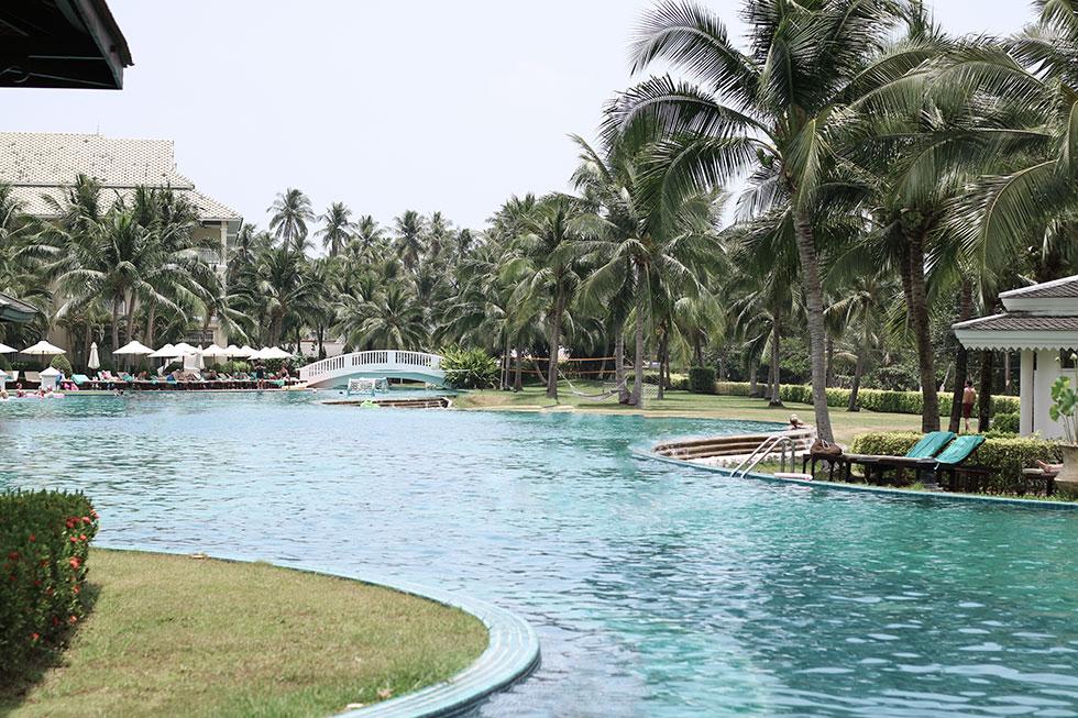 sofitel-krabi-thailand-resort-pool