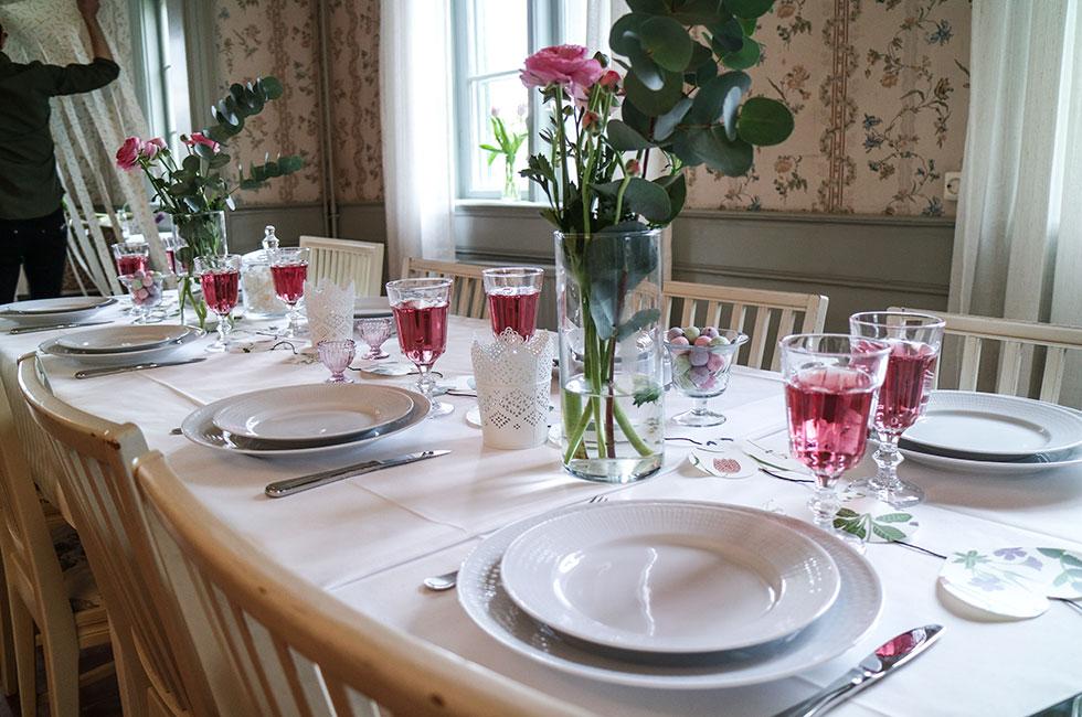 dukning-dekoration-bord-fest-middag