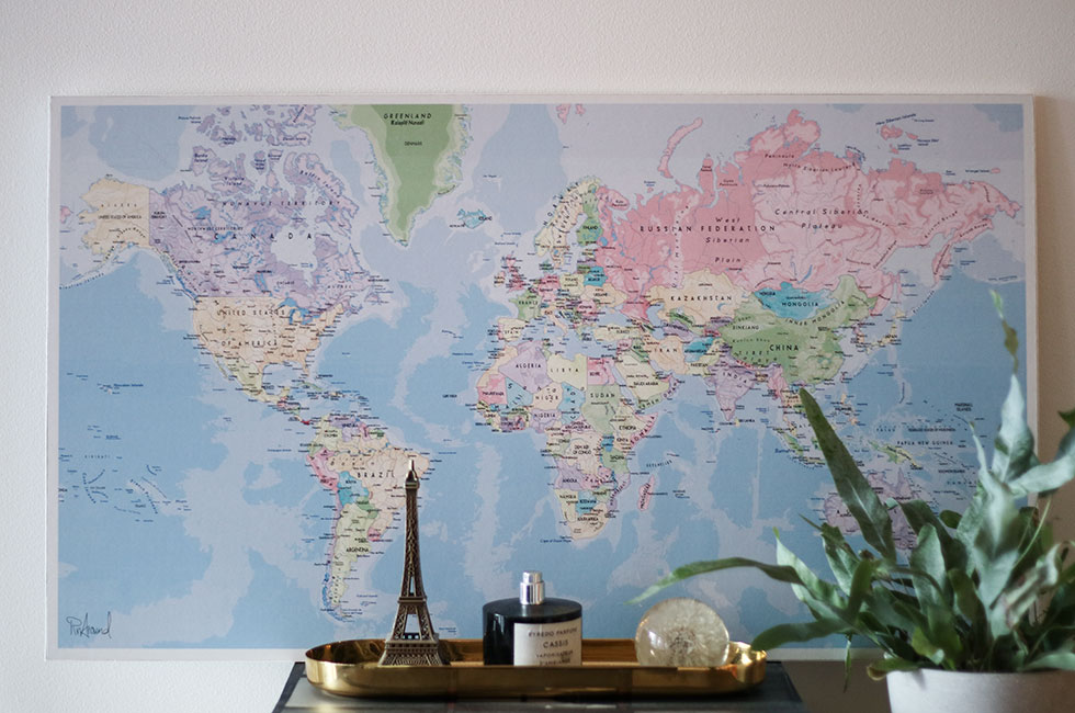 pin-around-world-map