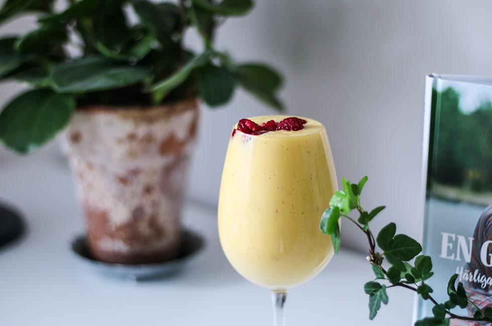 smoothie-mango-apelsin-hallon-nyttig-frukost-mellanmal-recept