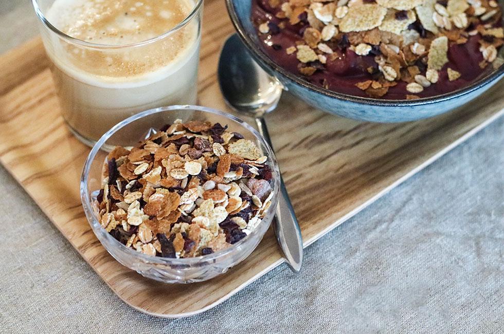 urkraft-finax-musli-frukost-acaibowl-recept