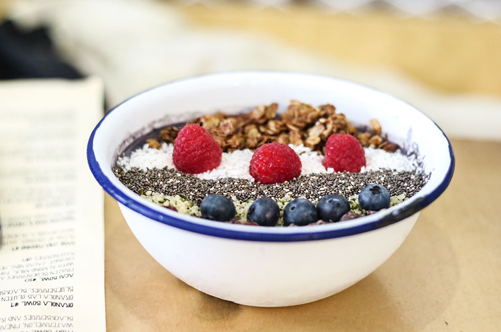 acai-bowl-two-hands-new-york