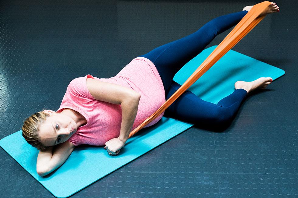 amelie-parchami-stockholm-pilates-center-gravid-traning-tvillingar
