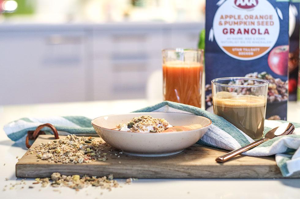 frukost-granola-yoghurt-axa