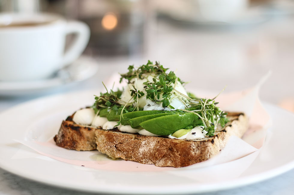 avokado-macka-frukost-breakfast-
