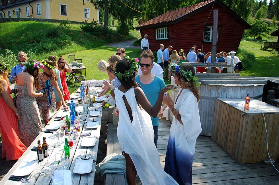 midsommar-lunch-sommar-stockholm-hatunaholm