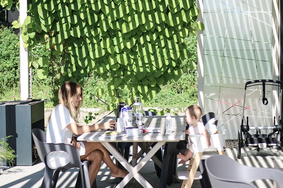 anja-forsnor-lily-frukost-ekero-sommar-utomhus