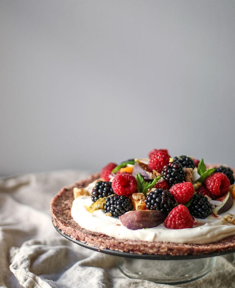 healthy-dessert-pizza-granola-crust