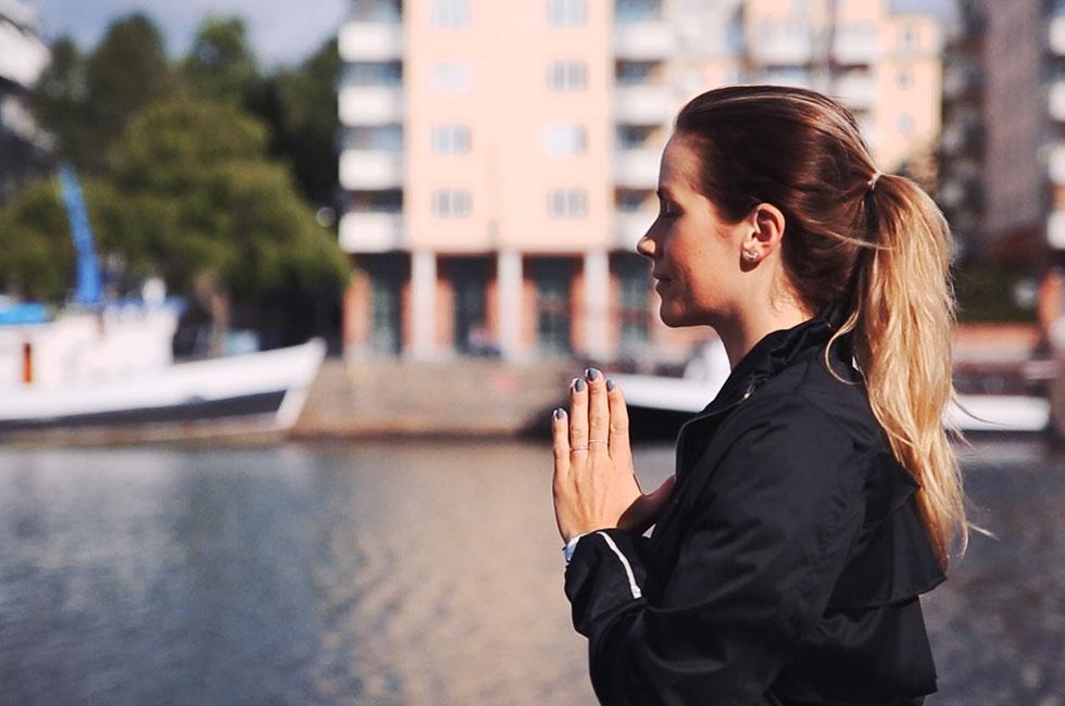 anja-forsnor-skanska-nya-hem-hammarby-sjostad-yoga-morgon