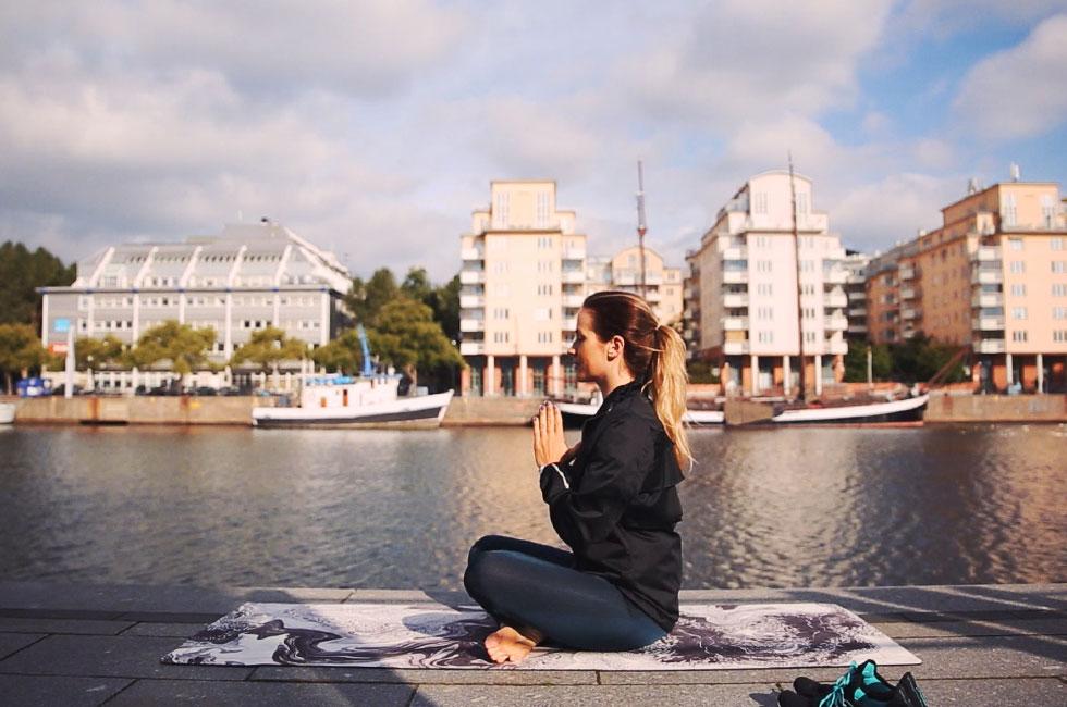 anja-forsnor-skanska-nya-hem-hammarby-sjostad-yoga