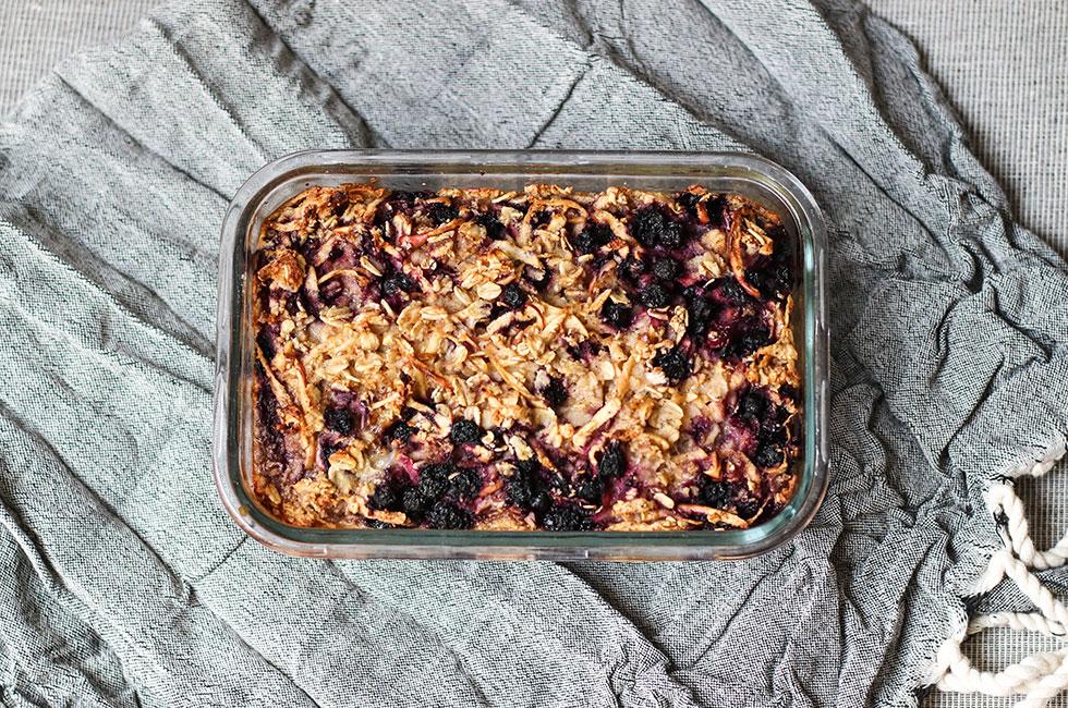 baked-oats-blueberry-apple-frukost-recept