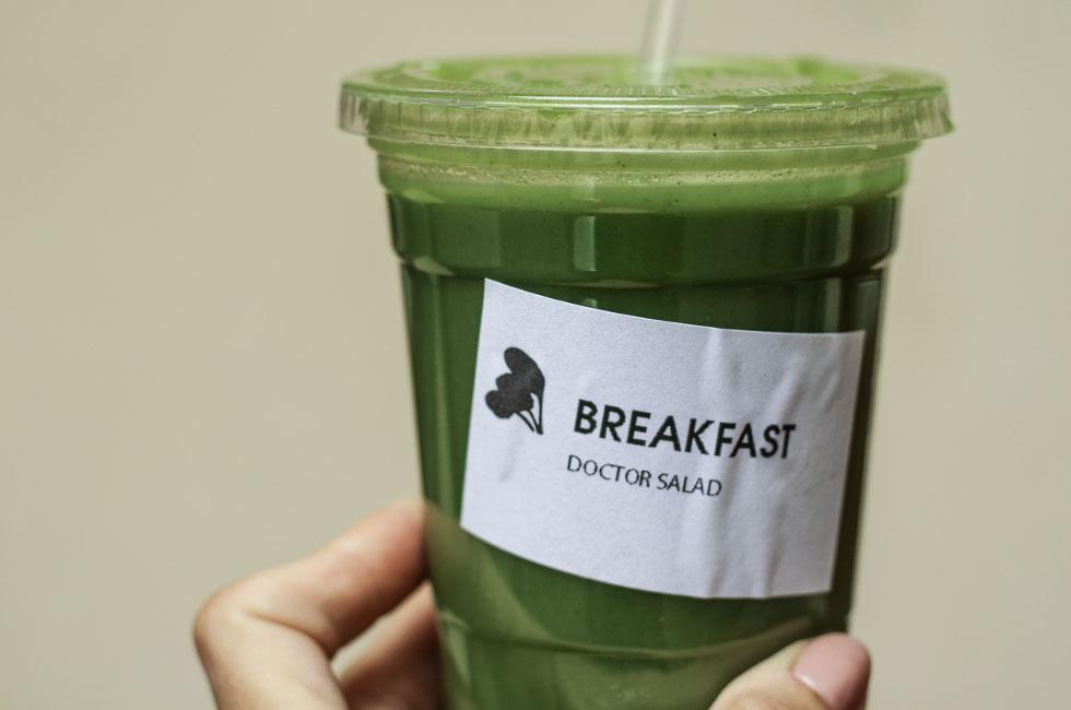 doctor-salad-breakfast-green-smoothie