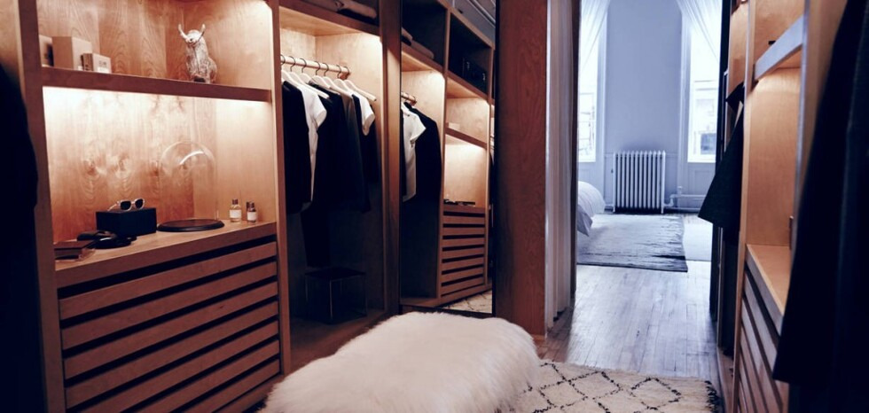 large_Editorial_Chapter_The_Apartment__Closet