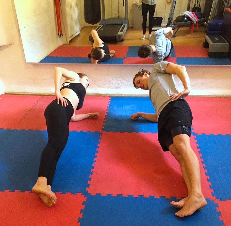 Dating yoga kycklingar äktenskap inte dating EP 15 eng sub gooddrama