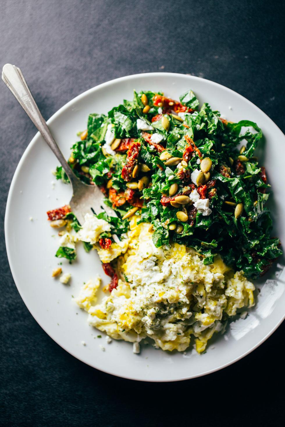 goat-cheese-scrambled-eggs-10