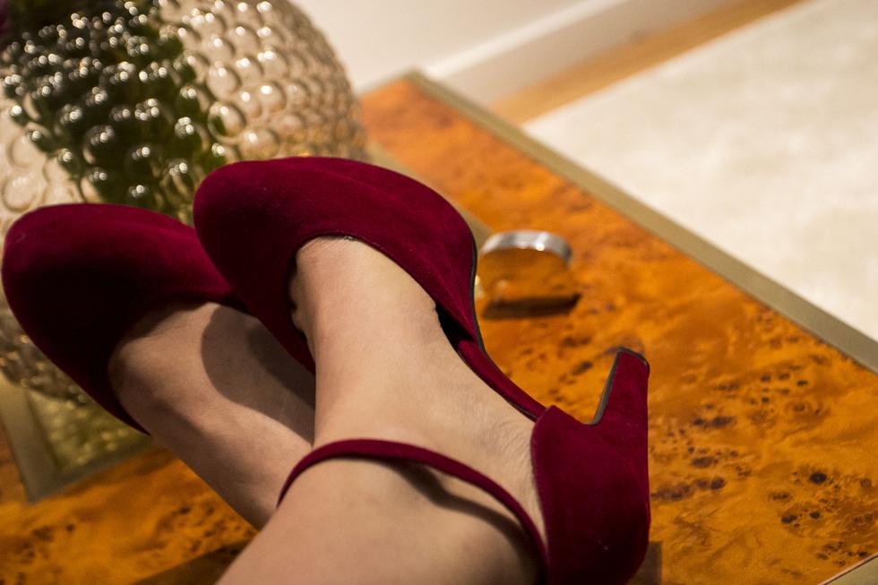 golden-shoes-_-henrietta-fromholtz_3