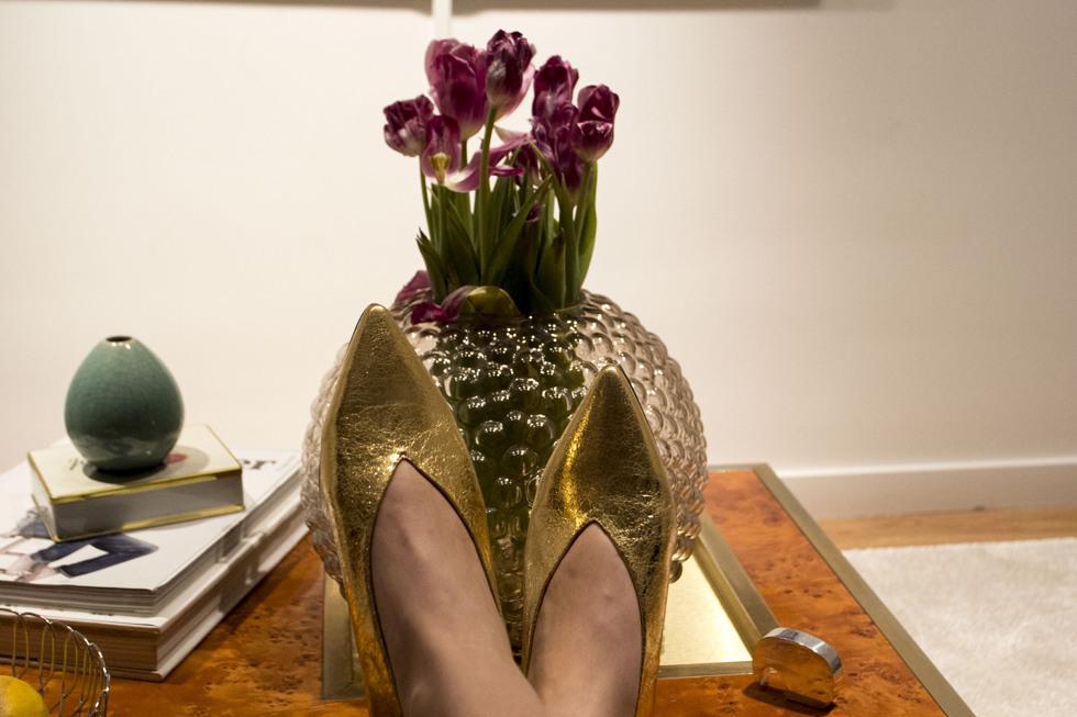 golden-shoes-_-henrietta-fromholtz_6