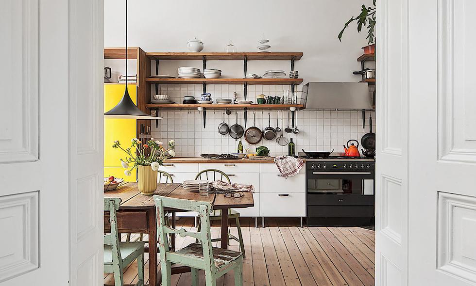 Nu kan du flytta in i Pluras kök – lägenheten på Kungsholmen till salu